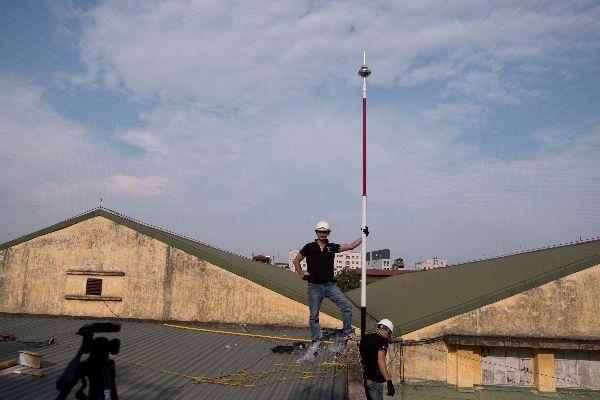 hình ảnh thi công trực tiếp các hệ thống chống sét kim thu sét